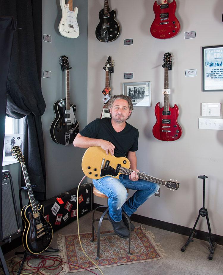 tour_gorman-guitars