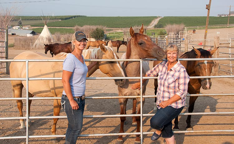 Trail boss Tiffany Fewel (left) and the hospitable innkeeper Pepper Fewel
